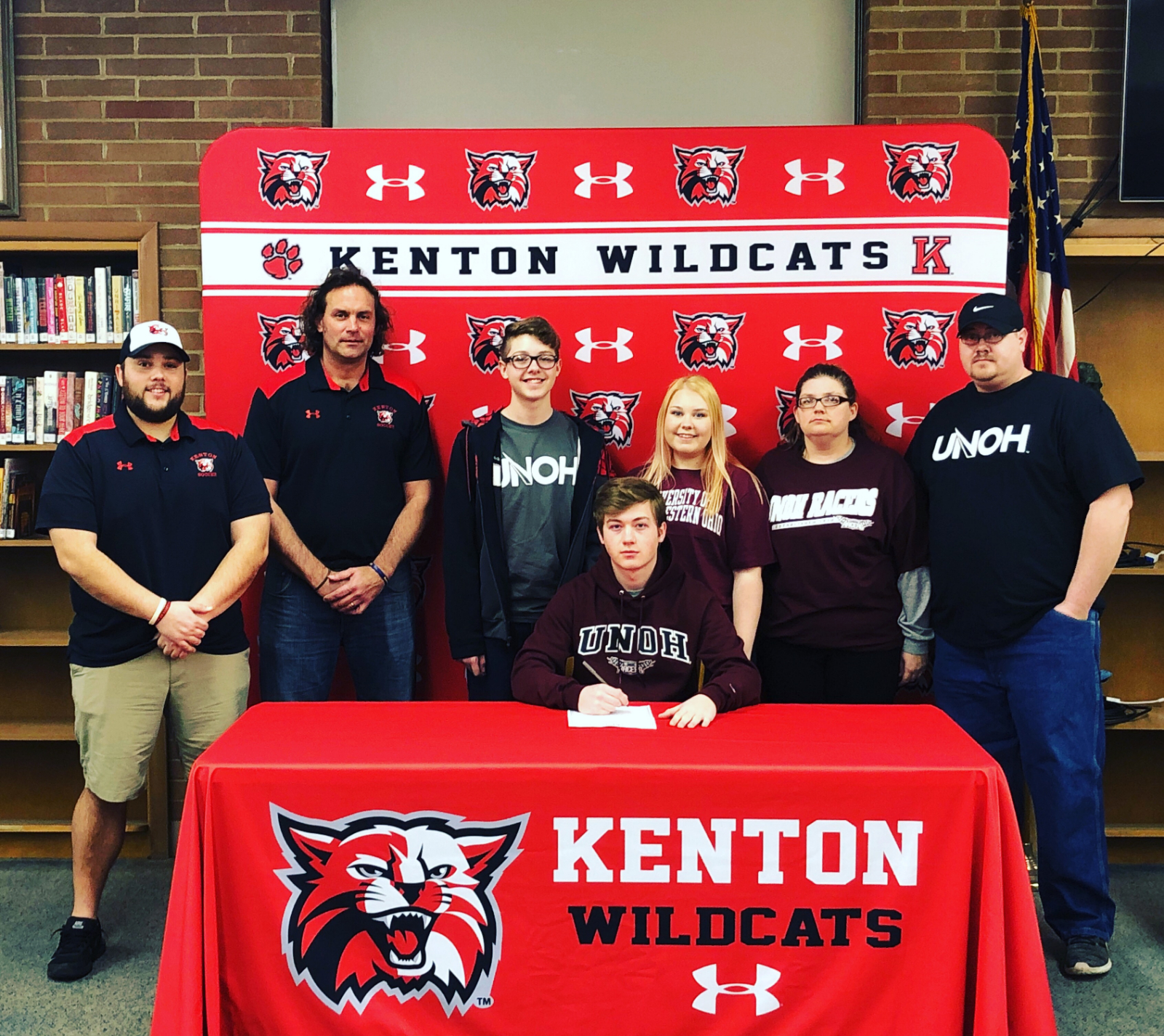 Hicks Signs With UNOH