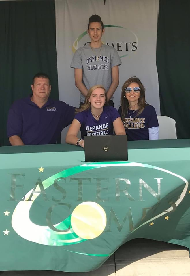 McKenzie Cooper Signs with Defiance College Women's Basketball Program!
