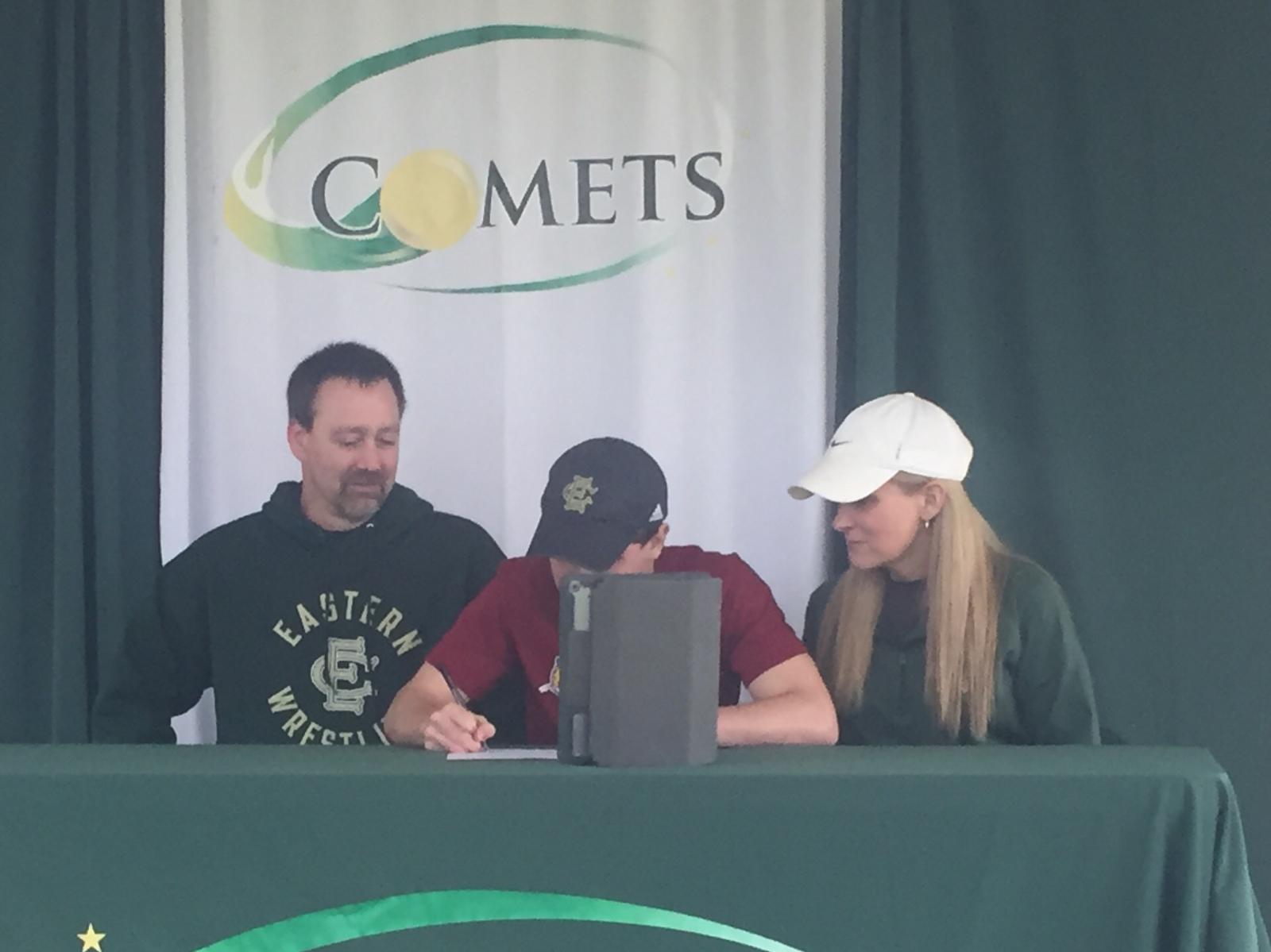Ethan Duchateau Signs with IU Kokomo Track & Field Program!