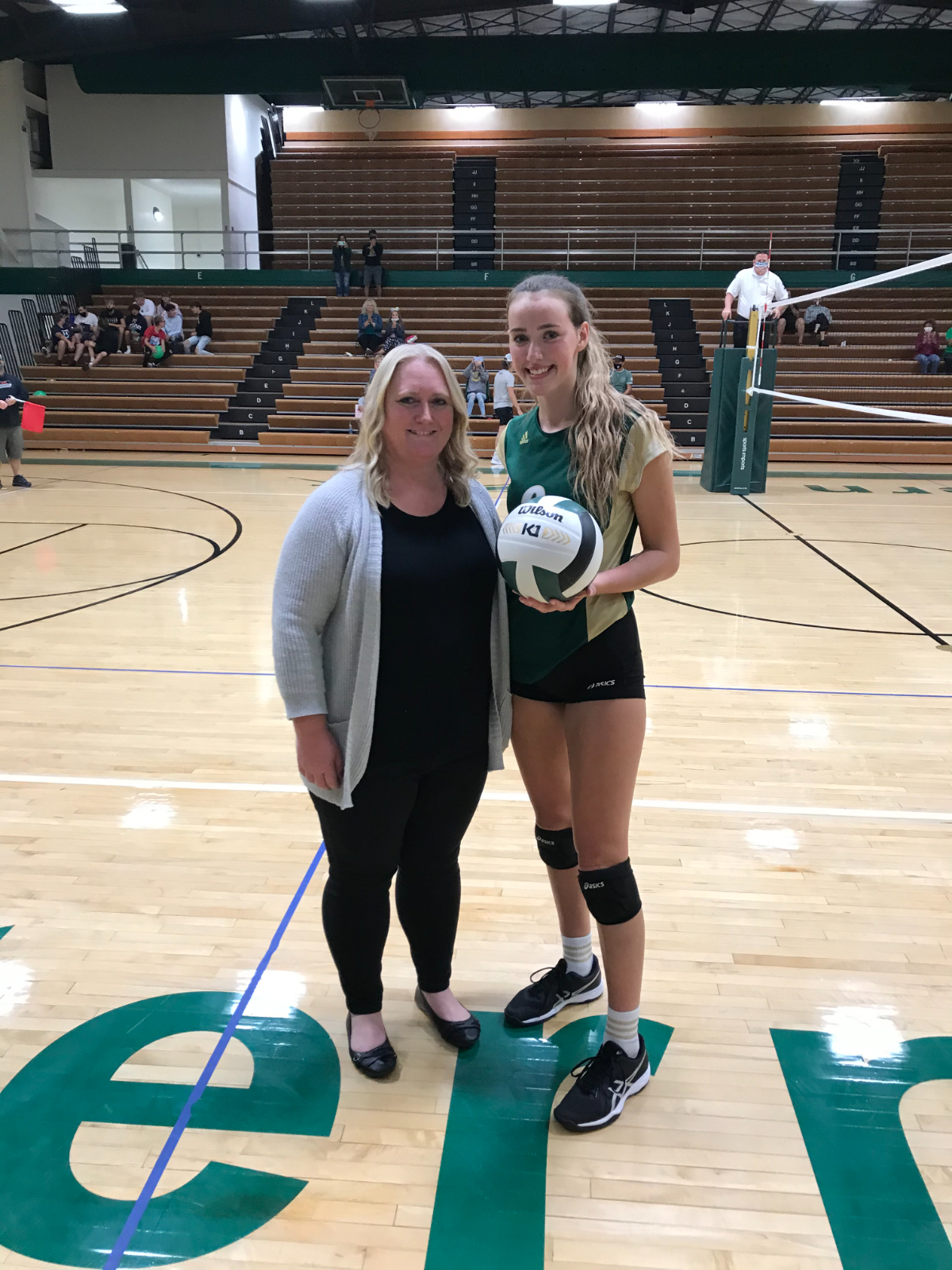 Loralei Evans Gets Her 1,000th Kill!