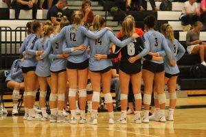 Varsity Volleyball 2018 vs East Grand Rapids – photos by Kris Dekker