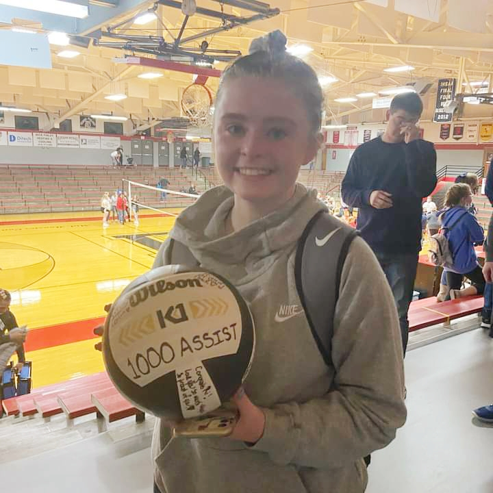 Ratliff Reaches Assist Milestone in her Final Match