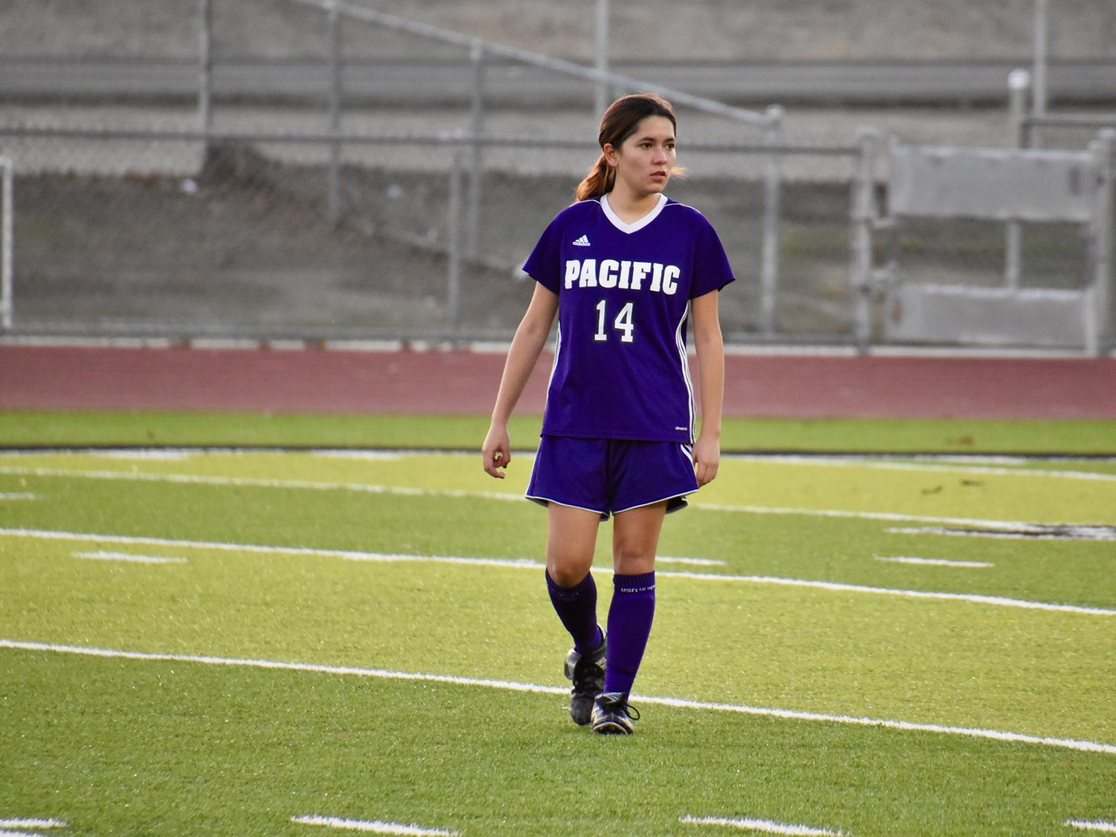 Girls Soccer Rumbles with Vista del Lago