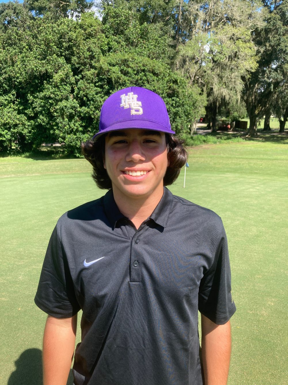 Leopards Sink the Pirates in Boys Golf