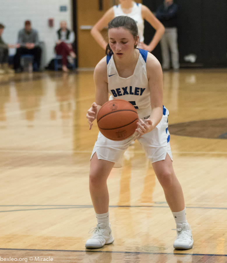 Girls Varsity Basketball beats Grandview Heights 39 – 21
