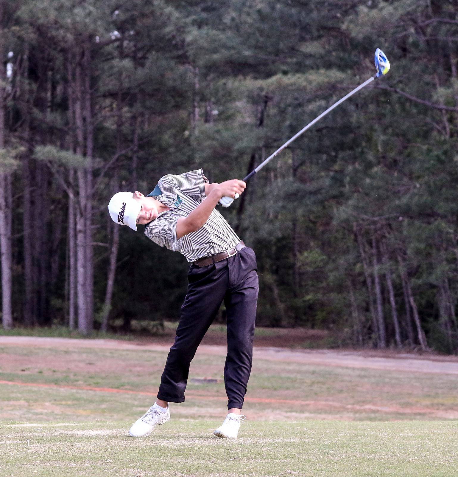 Boys Golf Takes Down Tigers, Bearcats