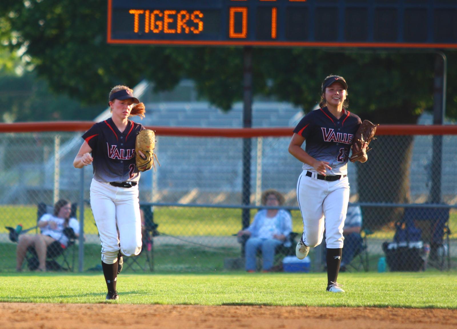 Sixth-Ranked Tigers Host Dowling Catholic Wednesday