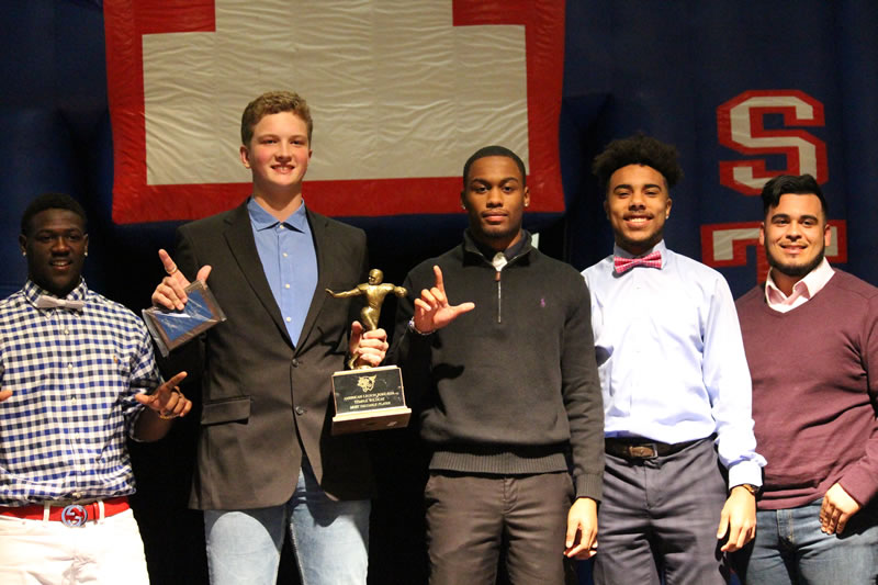 Temple players honored at annual football banquet