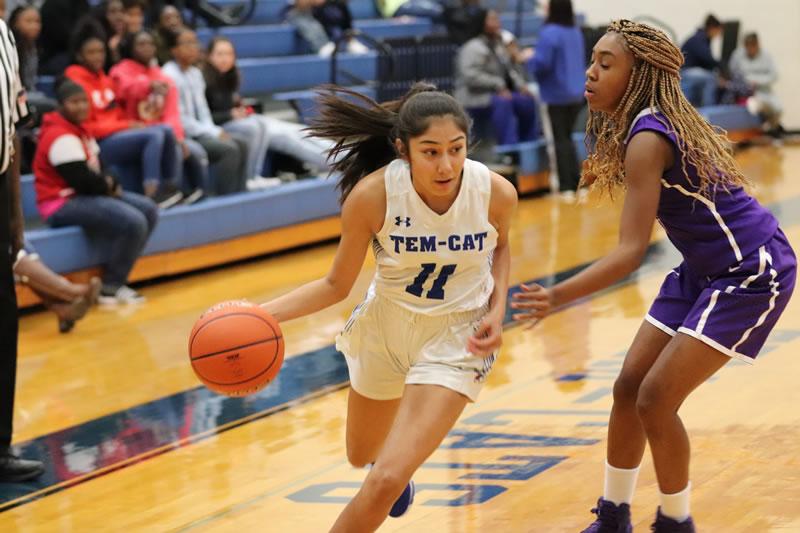 JV Girls Basketball opens season with win over University 40-10