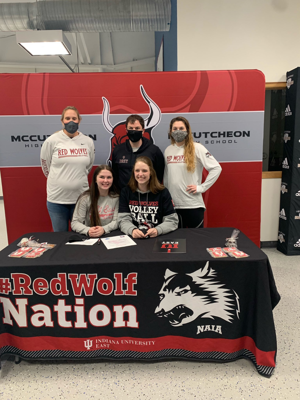 Phillips & Robinson Sign NLI with IU East