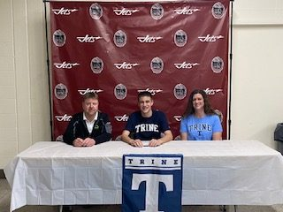 Ethan Wallace Signs With Trine Tennis!