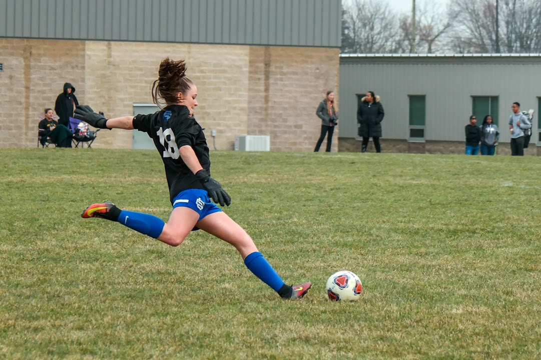 Girls Varsity Soccer beats Arbor Preparatory 3 – 2