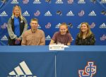 Elizabeth Wahlman Commits to Hanover College