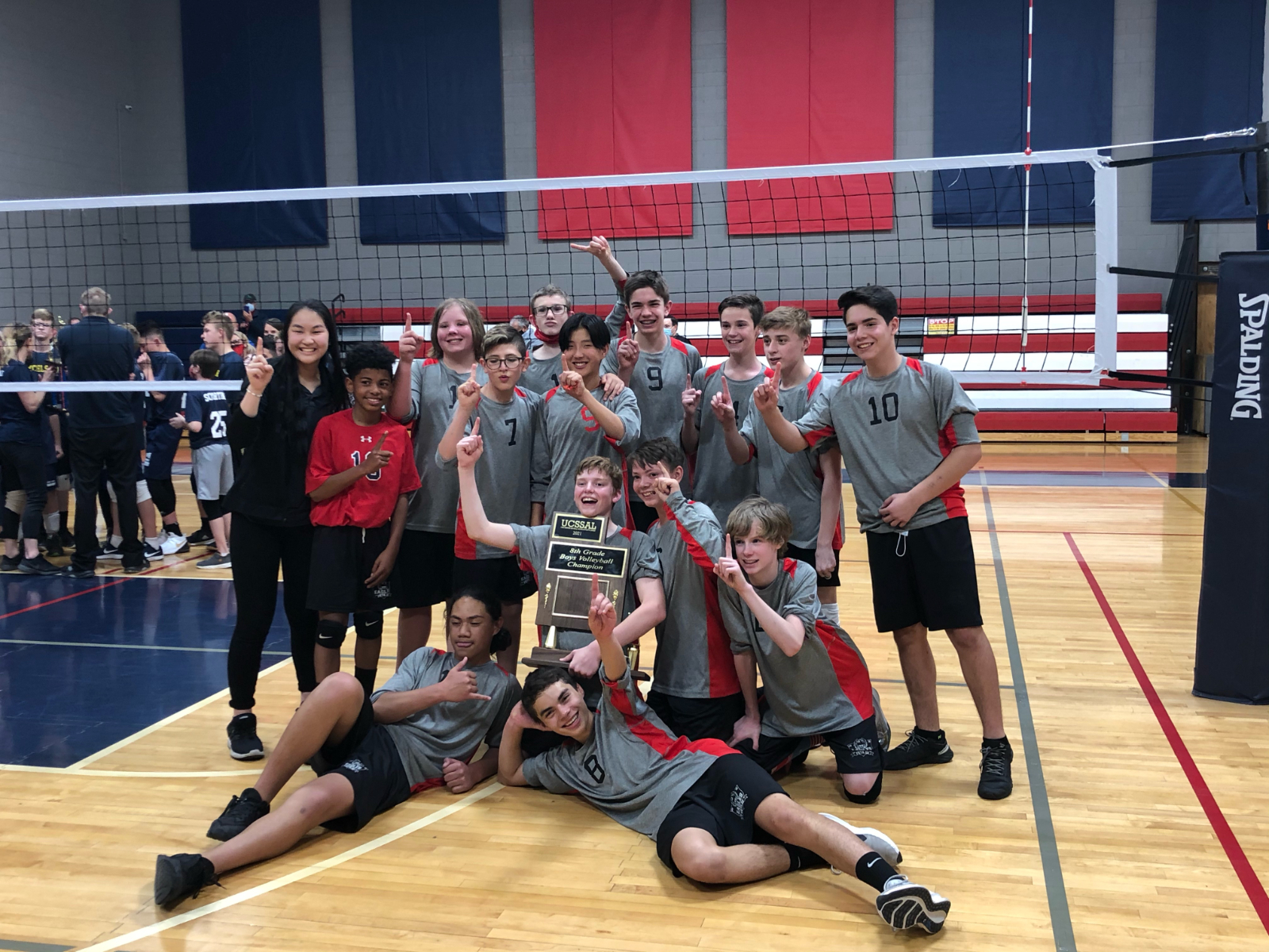 Boys Middle School Volleyball Wins State!