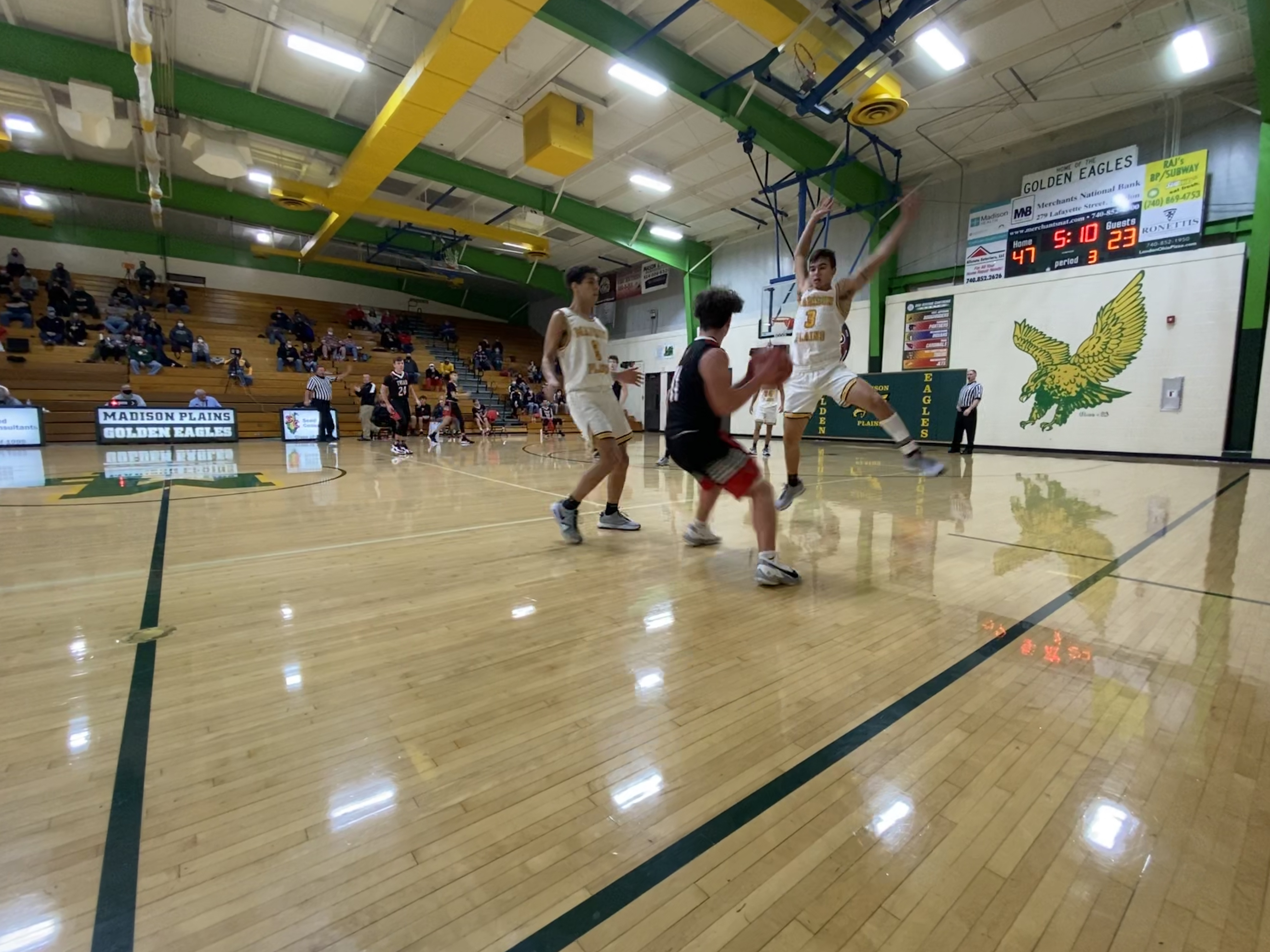 Golden Eagles defeat Fairbanks 32-29 in OHC Crossover Play
