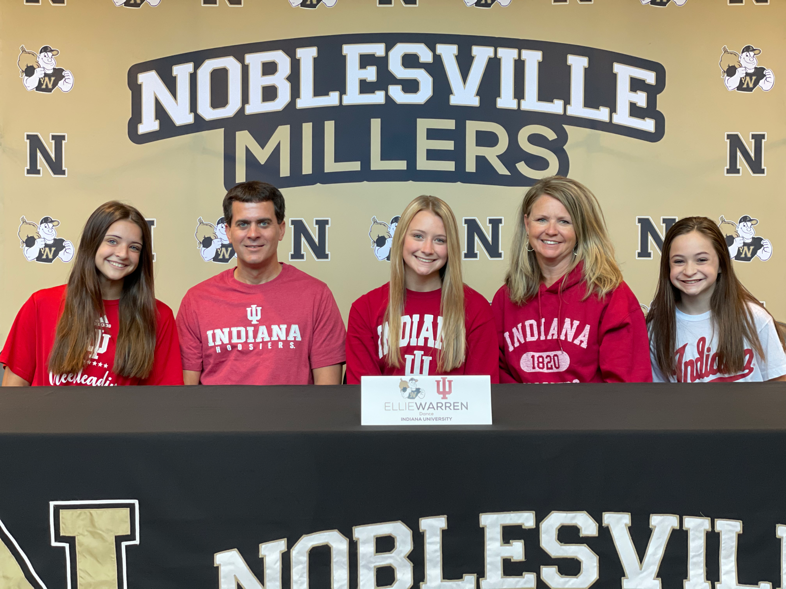 Ellie Warren signs with Indiana University
