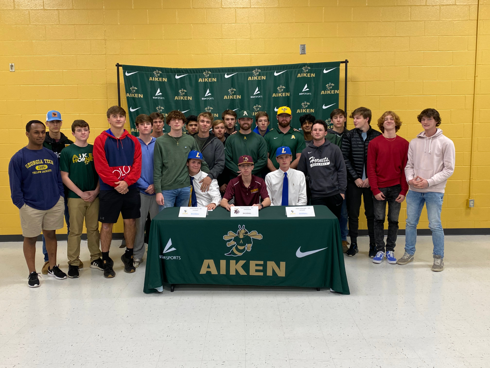 Bowles, Herring, Holsenback sign to play College Ball!!