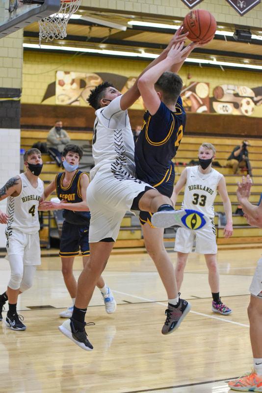 Boys JV Basketball vs. Freeport (Photo Courtesy of Kathy Kemp)