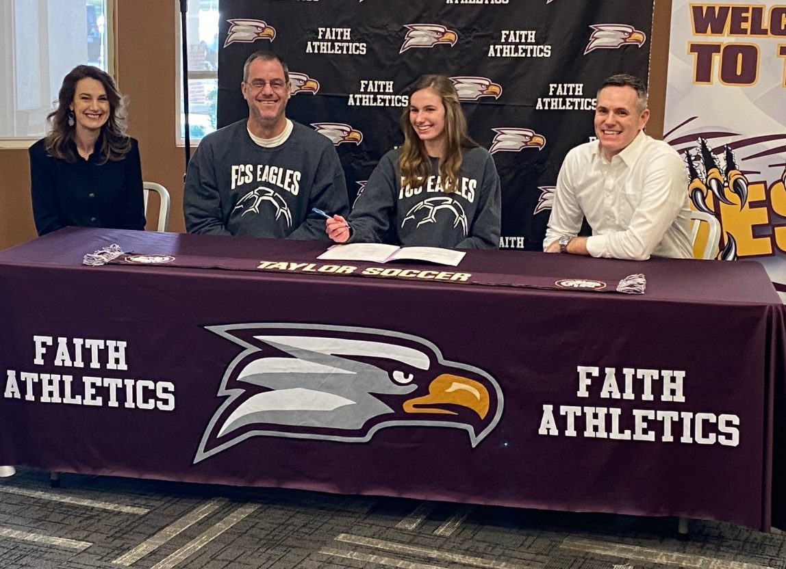 Holder signs with Taylor University to Play Soccer