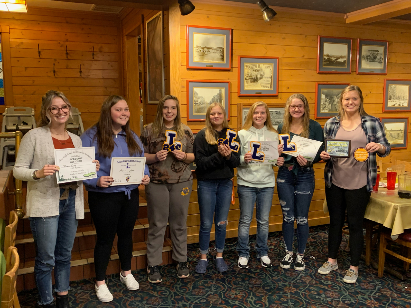 Girls Golf Team Holds End of Season Banquet; 5 Named Academic All Ohio