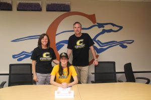 Kaitlyn Sharp Signs with Centre College – 5/17/18