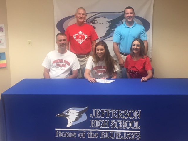 Staat Signs to Play Softball