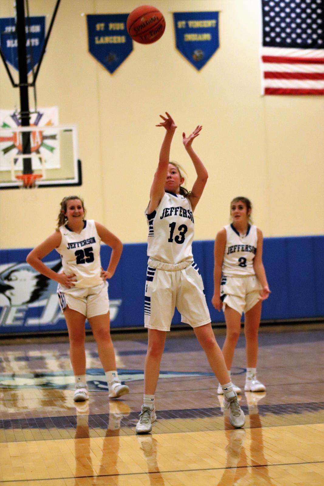 JV Girls Basketball Defeats St Paul's Lutheran 30-16 12/10/20