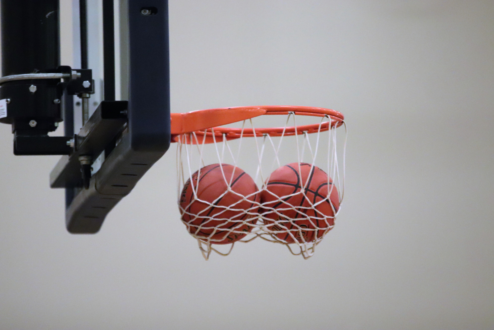 Varsity Girls' Basketball loses to Arcadia Valley 16-60    1/7/21