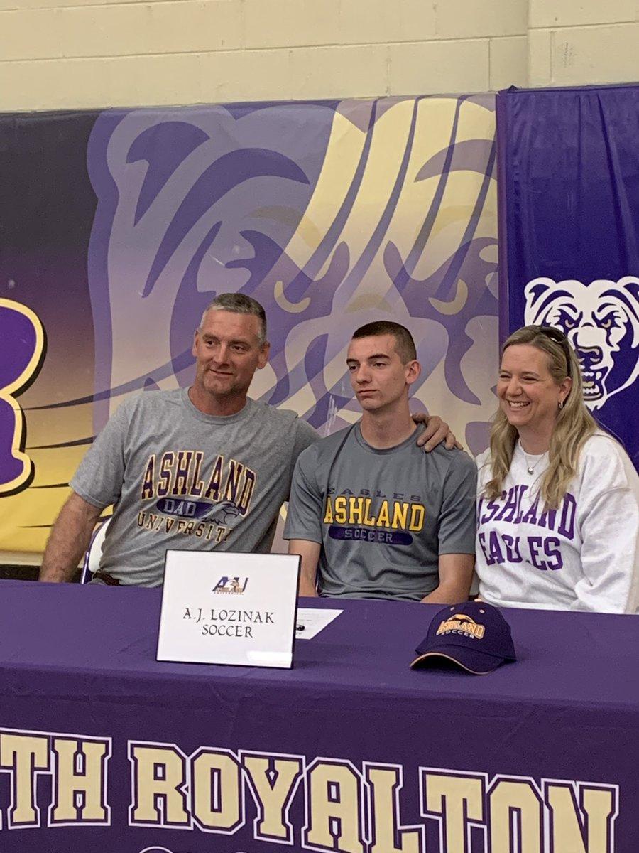 AJ Lozinak Signs NLI to Ashland University