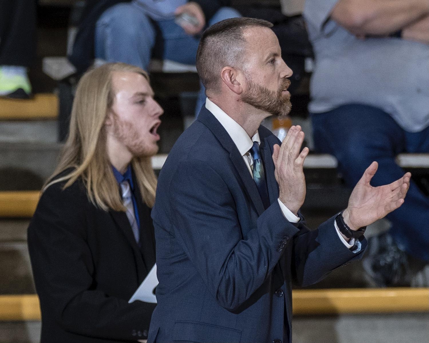 Jacy Holloway resigns as Buffs' Boys' Basketball Coach