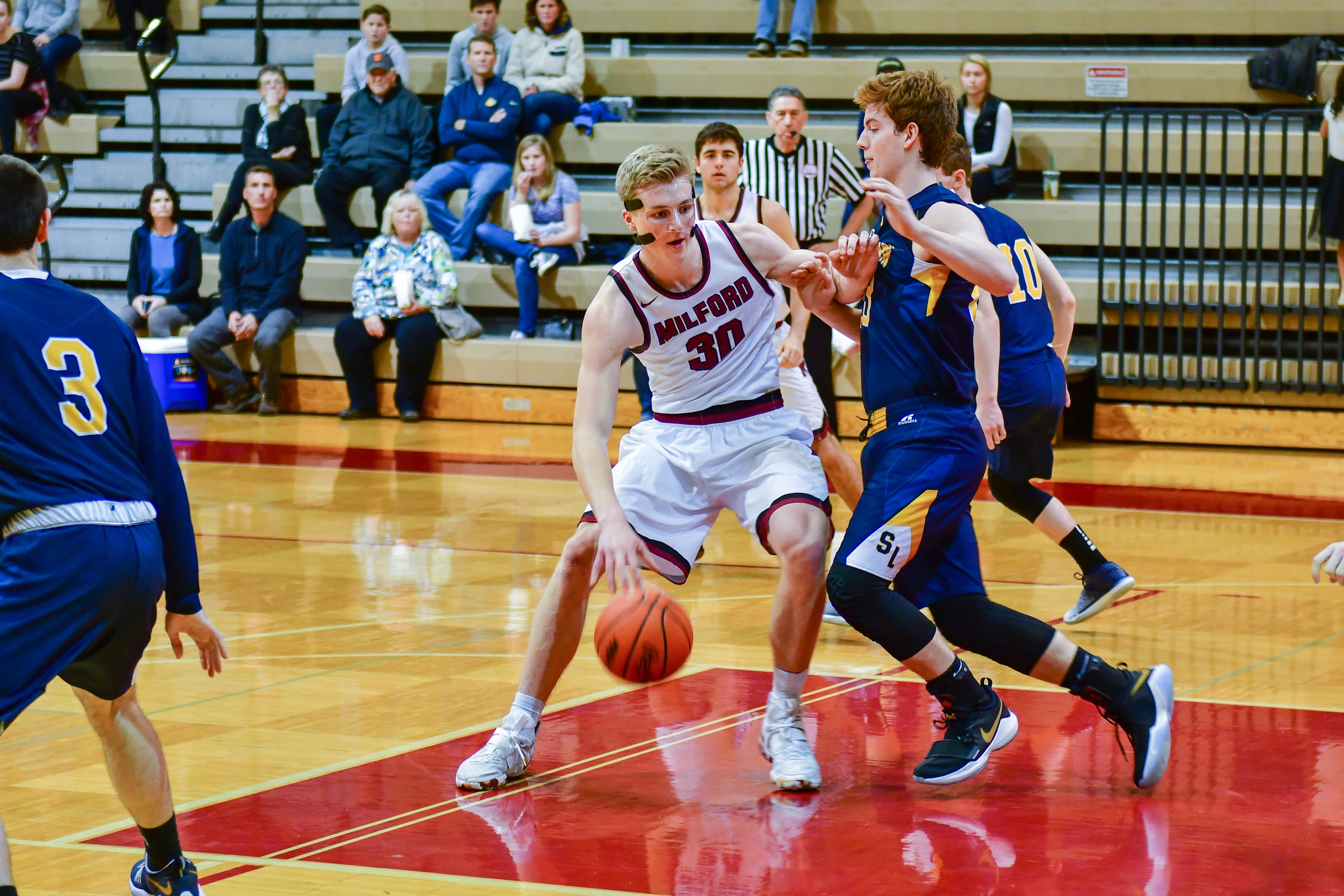 Milford Boys Basketball Finishes Regular Season 16-4 and a pair of Road Wins