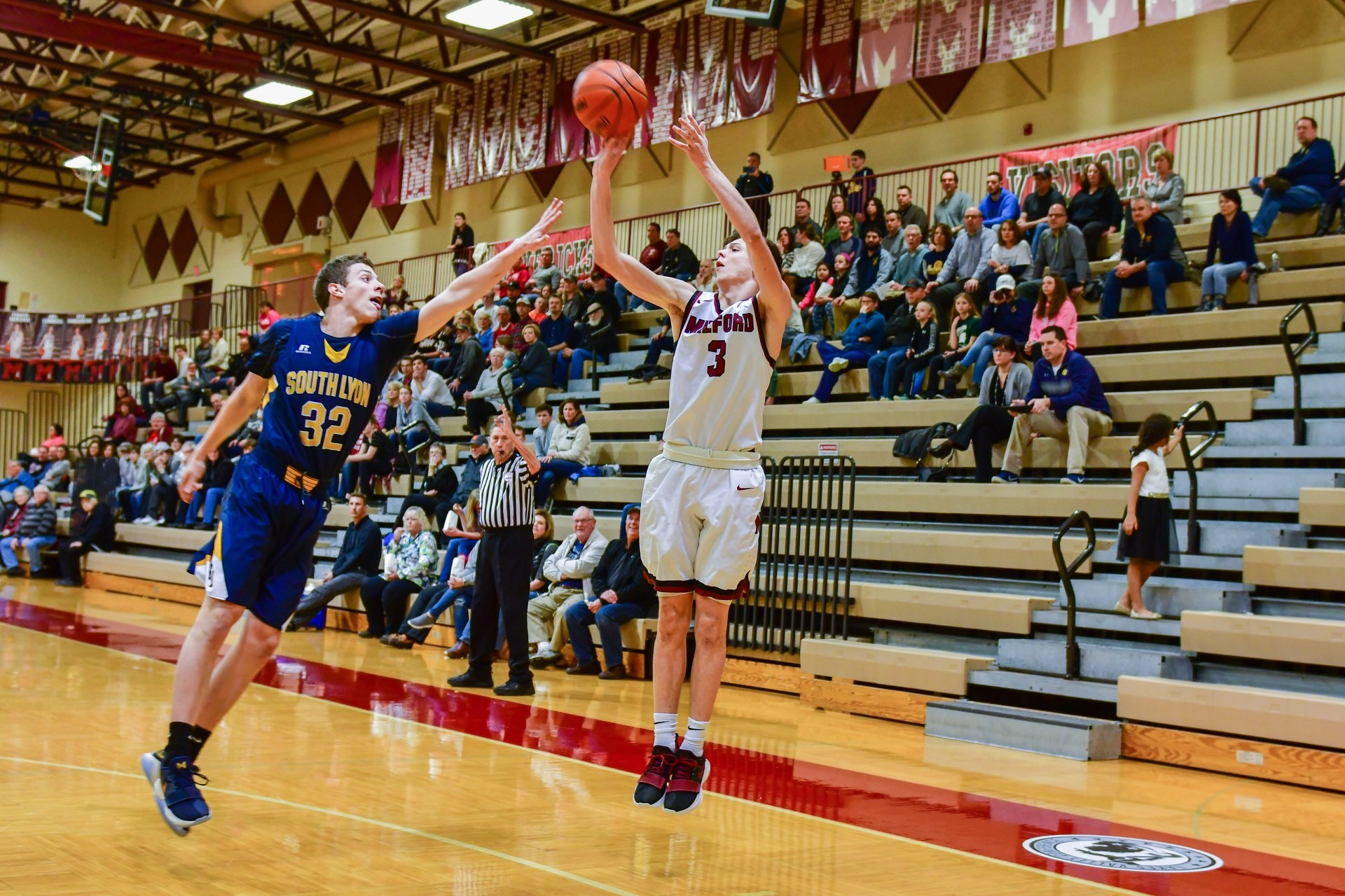 Milford Wins District Opener against Walled Lake Northern