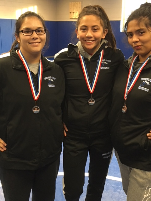 Trio of Mustangs Girls Wrestlers place at the Regional Tournament to qualify for Masters