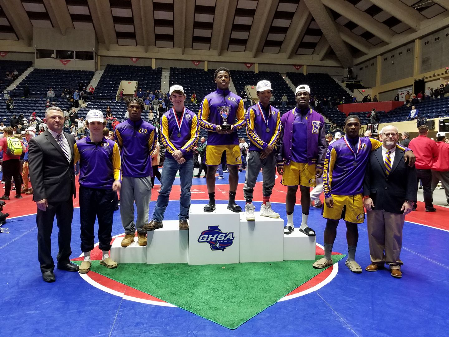FHS Wrestlers Finish as AA State Runner-up with 4 Individual State Champions