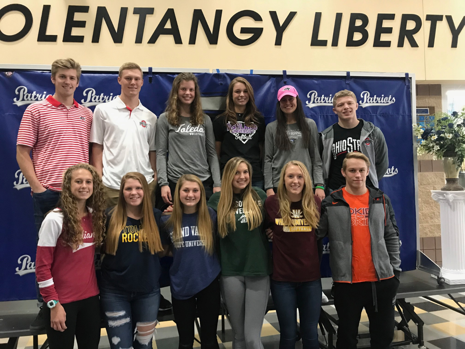 12 Patriots Sign Early National Letters of Intent