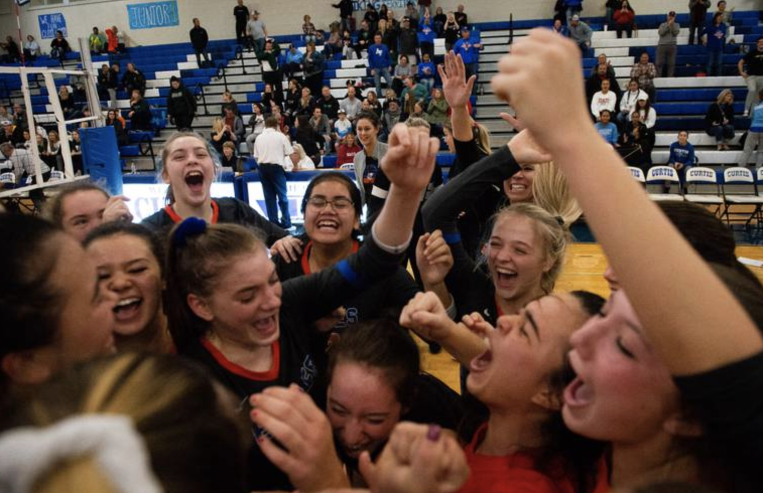 Graham-Kapowsin volleyball sweeps Emerald Ridge in three sets to claim 4A district title