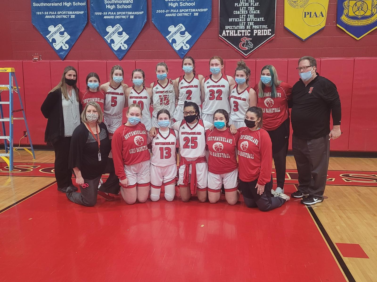 Girls Basketball Opens Playoffs