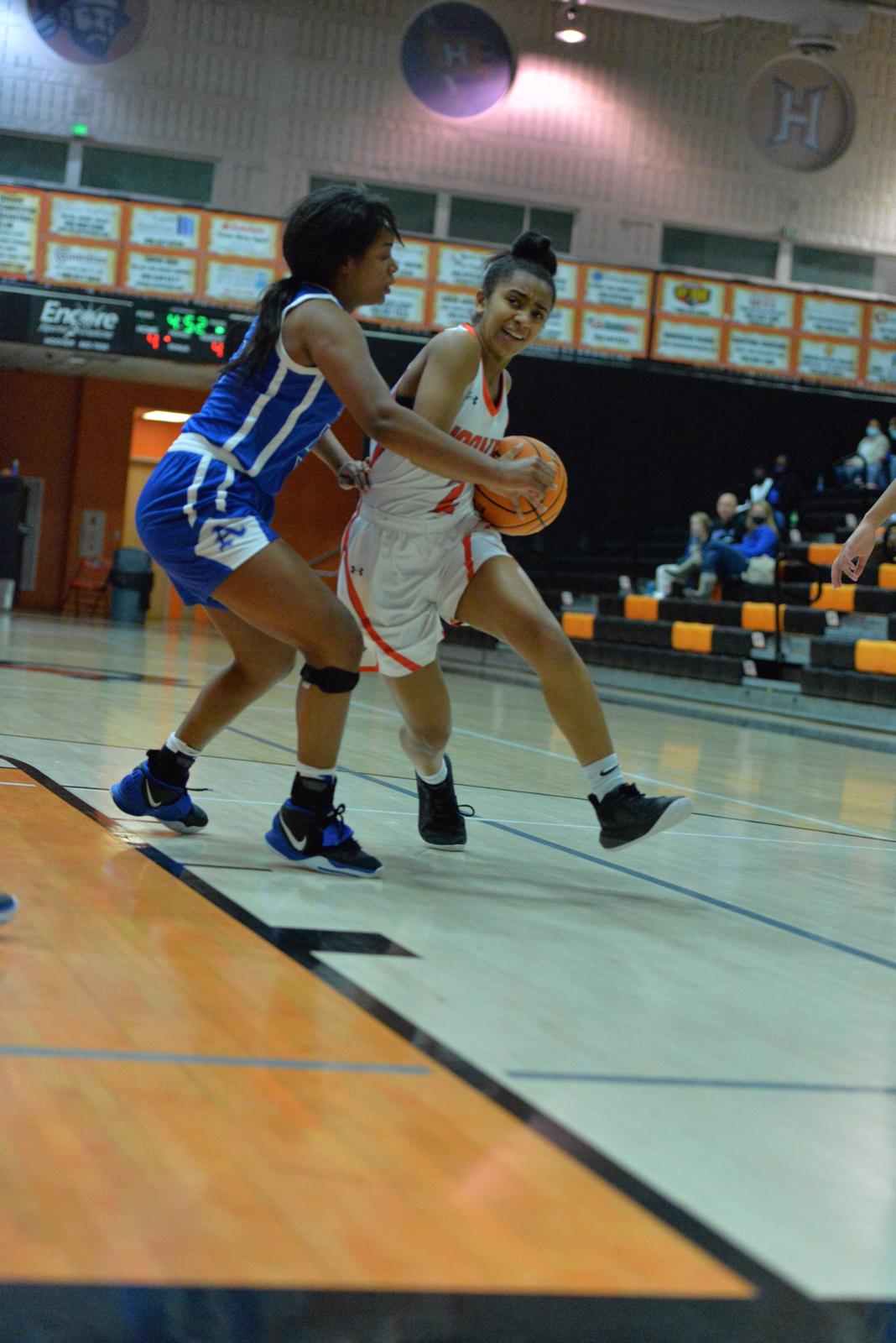 Hoover Lady Bucs vs Auburn 12/19/20