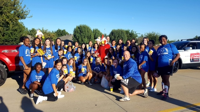 North Forney Girls Soccer Participates in HOCO Parade