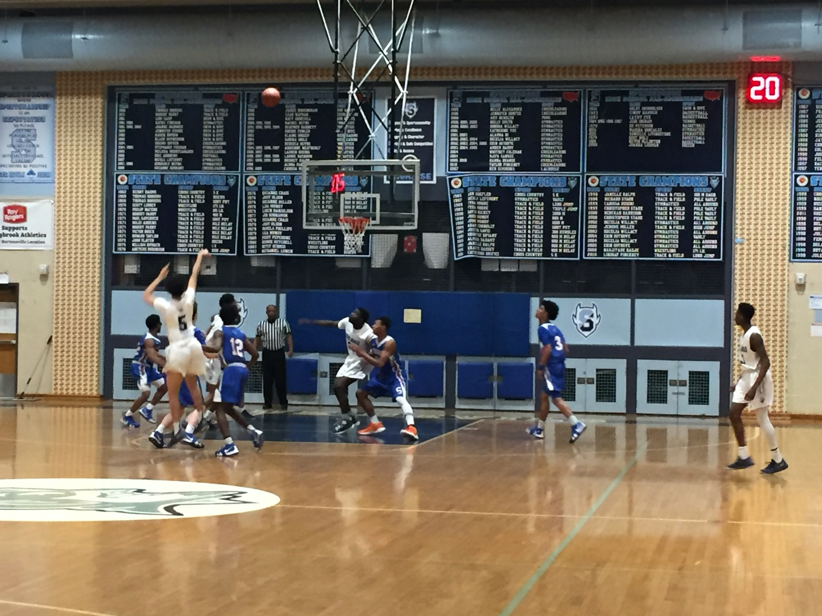 Boys Basketball Advances to Region Semifinal!!