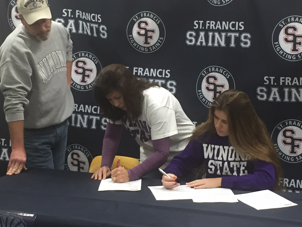 Hannah McCann signs with Winona Volleyball