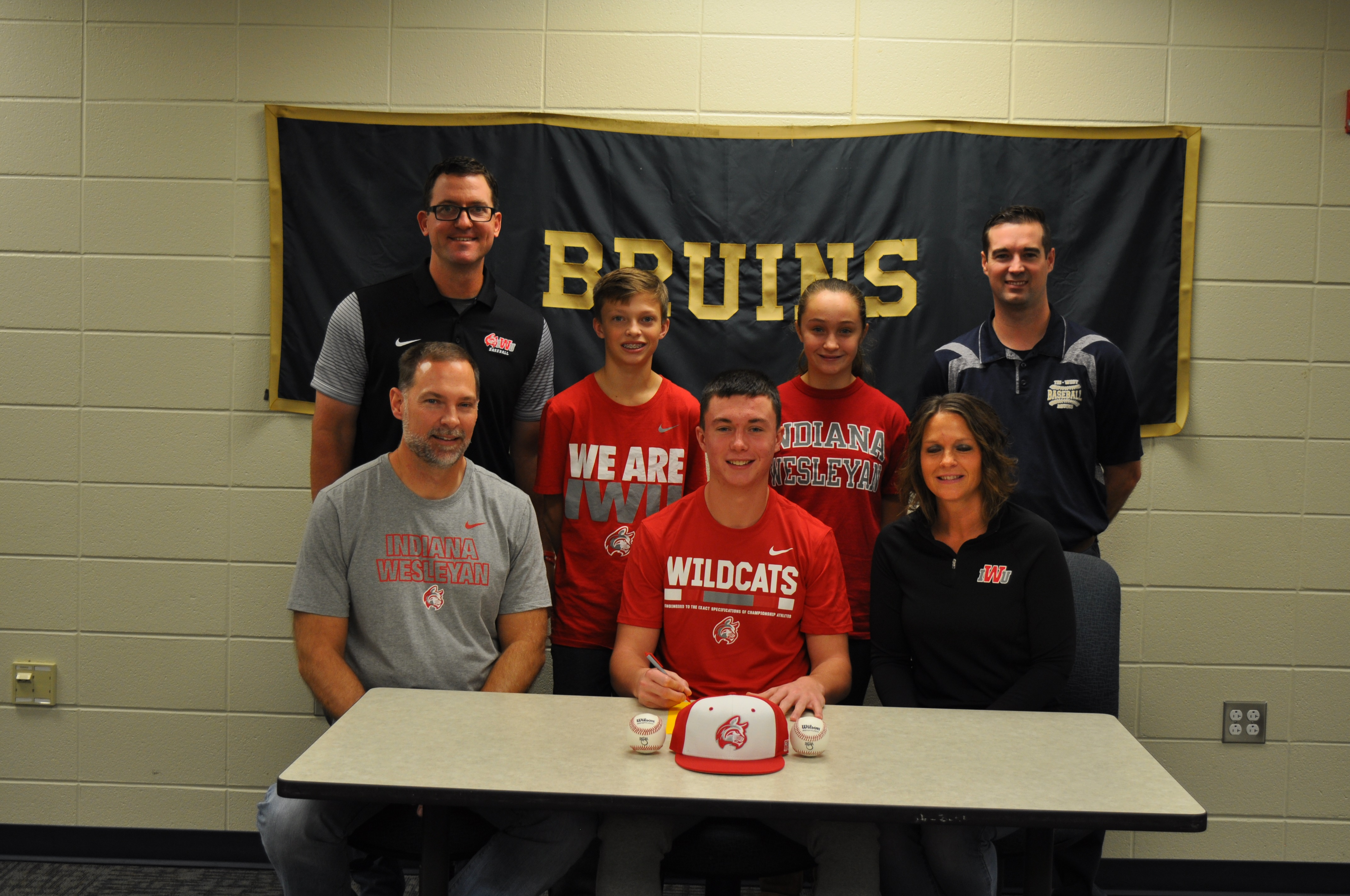 Lucas Goodin Signs with IWU
