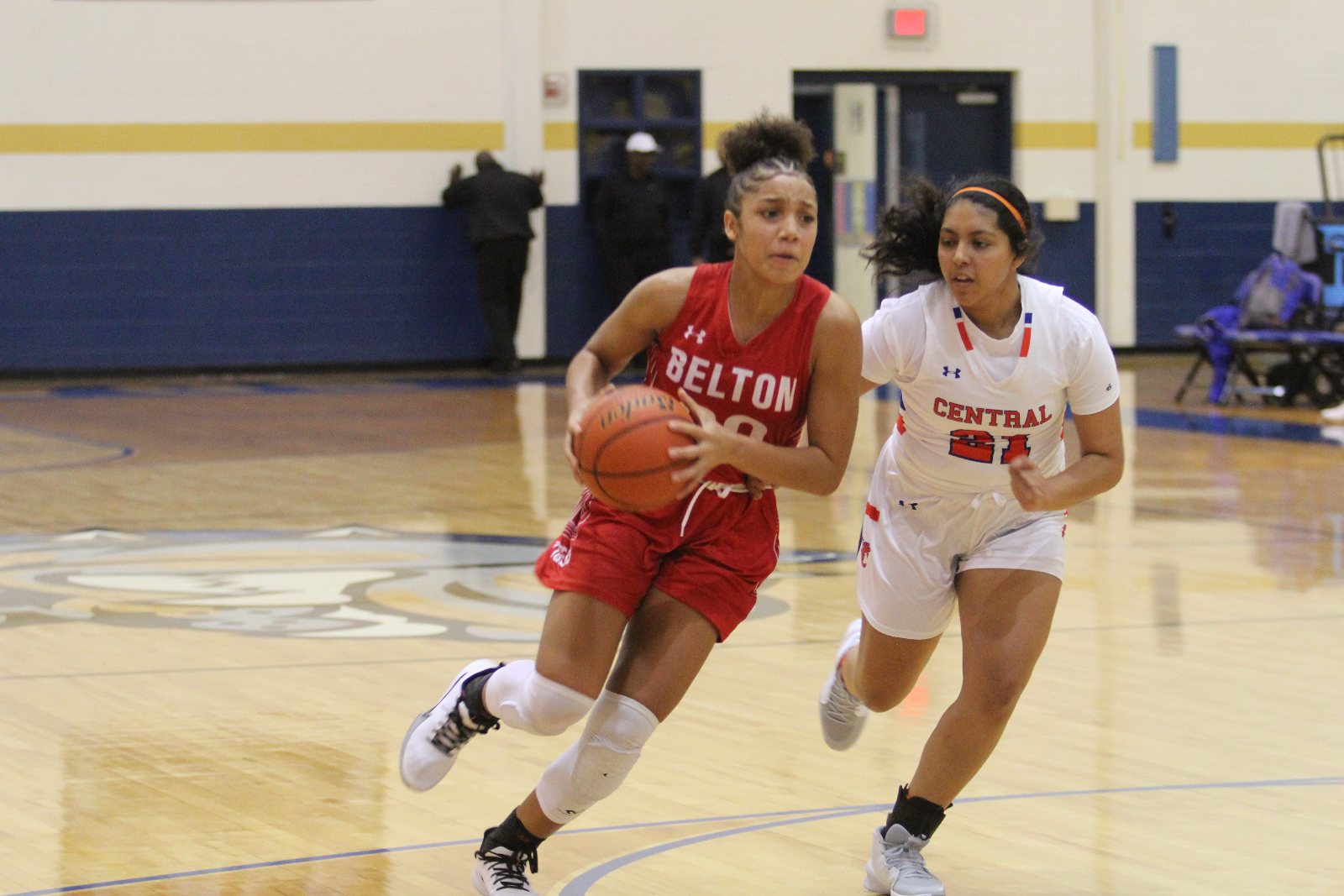 Lady Tigers defeat Manor, fall to San Angelo Central at Bush's Chicken Classic