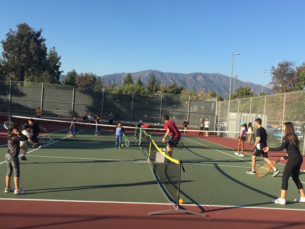 10 and Under Clinic Brings Tennis to the Community
