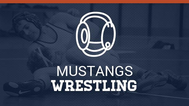 Wrestling moves to 2-0 in league with win over ML King