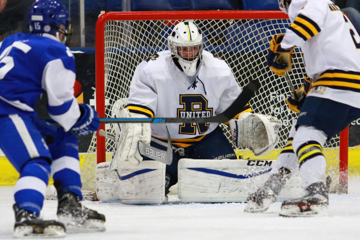 Hockey Finishes Banner Season in Semifinals