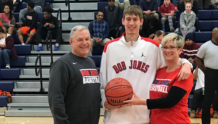 Congrats to BJ Senior Chase Fiddler as he joins the 1,000 Point Club!!