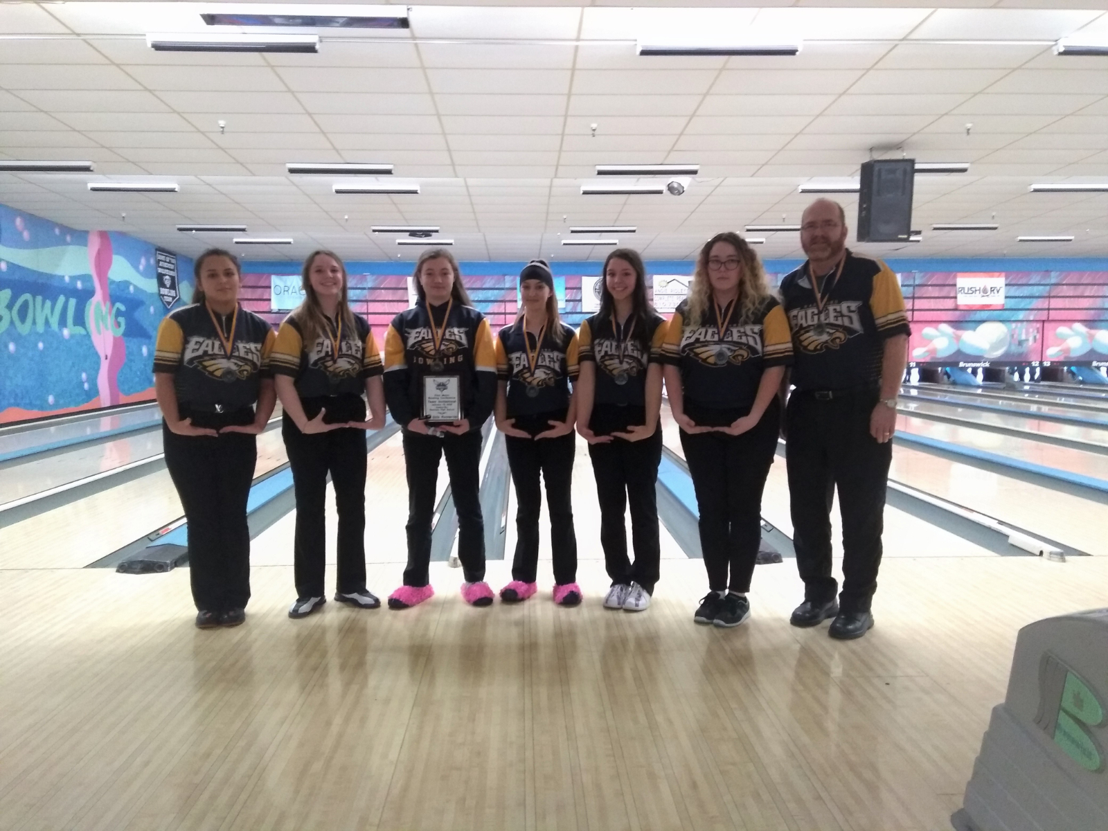 Hartland Girls' Bowling Team Second at Flint Metro Invitational