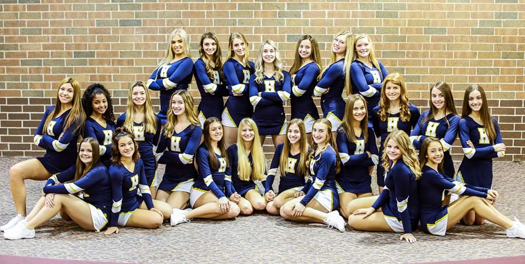 Varsity Competitive Cheer hits the road to States