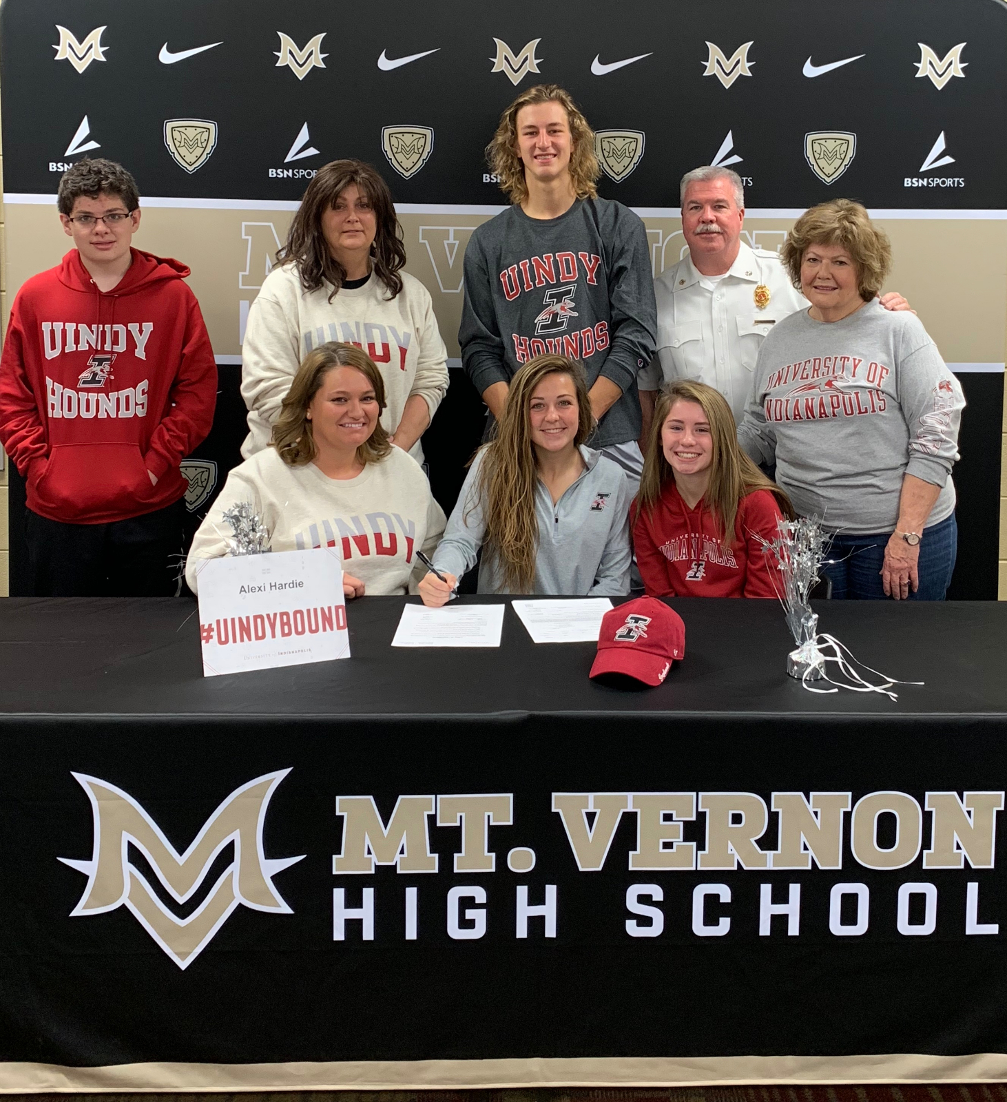 Lexi Hardie Signs with UIndy